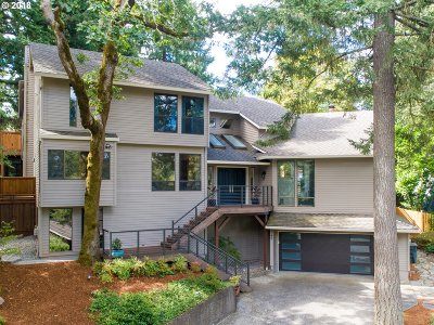 Lake Oswego OR Single Family Home For Sale: $875,000