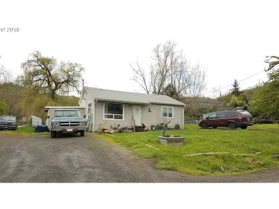 Roseburg OR Single Family Home For Sale: $116,000