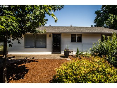 Beaverton Single Family Home For Sale: 11970 SW 9th St