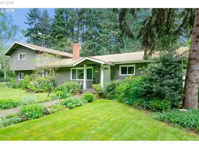 Lake Oswego Single Family Home For Sale: 18820 SW 65th Ave