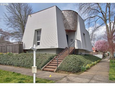 Portland Single Family Home For Sale: 2203 N Emerson St