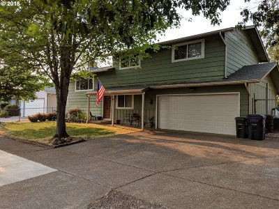 Springfield Single Family Home For Sale: 6766 E St
