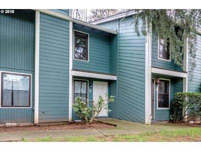 Tigard Condo/Townhouse For Sale: 7945 SW Fanno Creek Dr #5