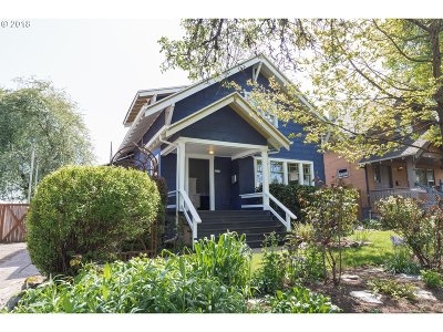 Portland Single Family Home For Sale: 5216 SE 17th Ave