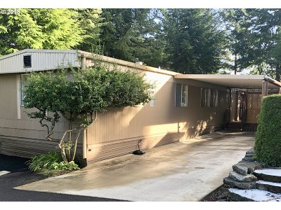 Coos Bay Single Family Home For Sale: 641 Shorepines Hts
