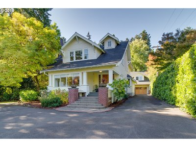 Portland Single Family Home For Sale: 11639 SW Riverwood Rd
