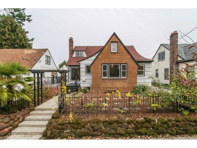 Portland Single Family Home For Sale: 5926 NE 15th Ave