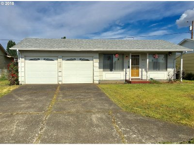 Woodburn Single Family Home For Sale: 2230 Country Club Rd