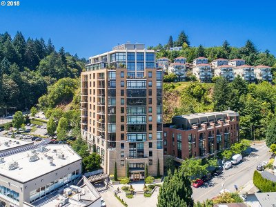Portland Condo/Townhouse For Sale: 2351 NW Westover Rd #408