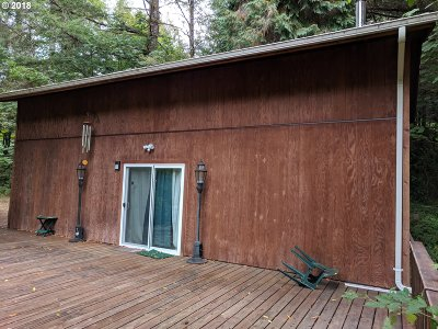 Coos Bay Single Family Home For Sale: 66942 East Fork Rd