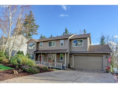 Clackamas Single Family Home For Sale: 15023 SE Diamond Dr