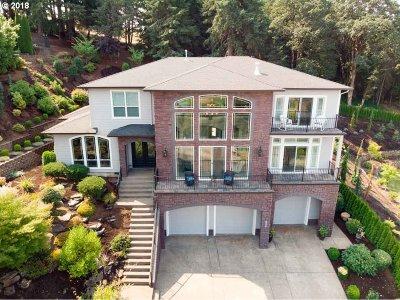 Salem Single Family Home For Sale: 676 SE Sahalee Dr