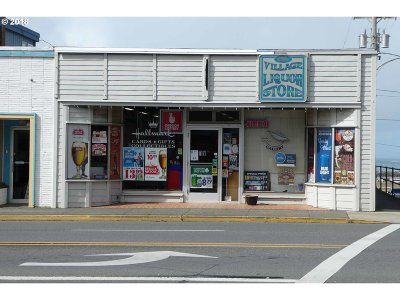 Gold Beach OR Commercial For Sale: $245,000
