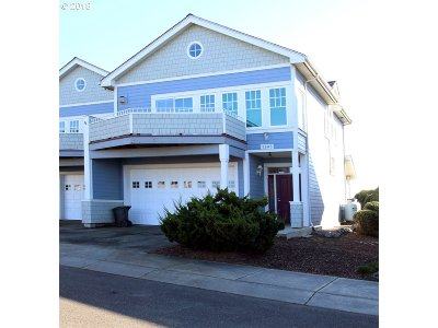 Bandon Single Family Home For Sale: 1345 Village Loop