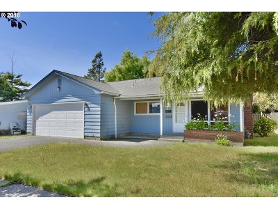Coos Bay Single Family Home For Sale: 1126 Michigan Ave