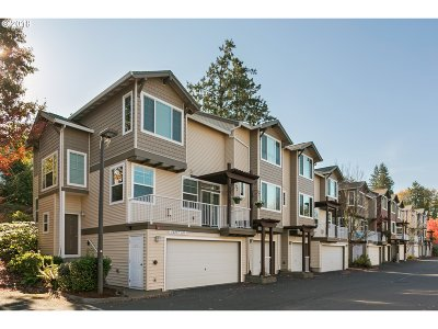 Tigard Condo/Townhouse For Sale: 10851 SW Canterbury Ln #101
