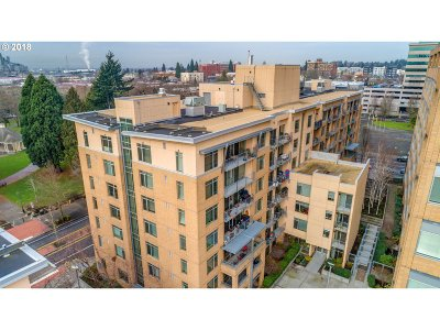 Vancouver Condo/Townhouse For Sale: 701 Columbia St #702