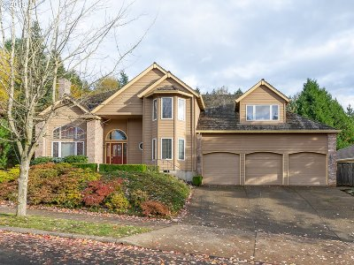 Happy Valley Single Family Home For Sale: 9830 SE Westview Ct