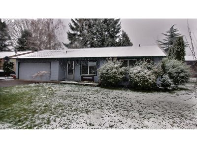 Hillsboro Single Family Home For Sale: 3696 SE Daren Dr