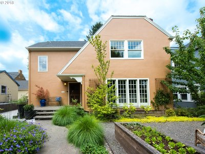 Portland Single Family Home For Sale: 2223 NE 32nd Ave