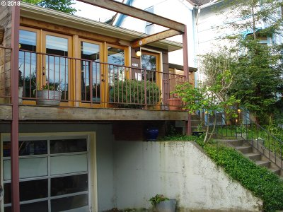 Condo/Townhouse For Sale: 3024 SE Yamhill St