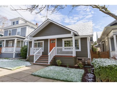 Portland Single Family Home For Sale: 516 SE 34th Ave