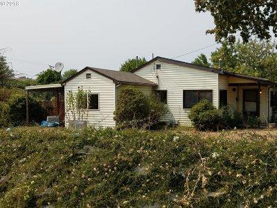 Roseburg Single Family Home For Sale: 112 Sisters Ln