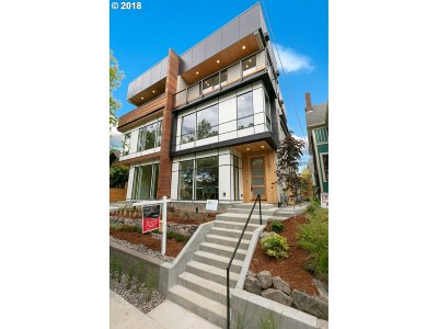 Single Family Home For Sale: 4152 N Michigan Ave