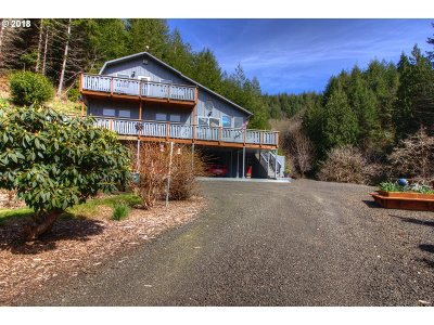 Coquille Single Family Home For Sale: 94344 Hwy 42