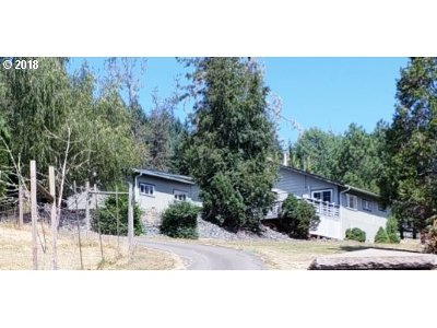 Roseburg Single Family Home For Sale: 988 Valley Rd