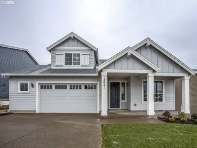 Happy Valley Single Family Home For Sale: 13031 SE Gateway Dr