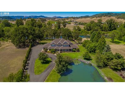 Roseburg Single Family Home For Sale: 2270 Fisher Rd