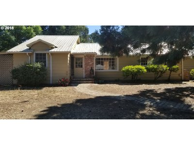Roseburg Single Family Home For Sale: 1409 NW Ulrich Ct