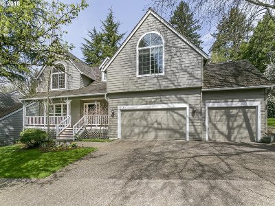 Lake Oswego Single Family Home For Sale: 5575 Suncreek Dr