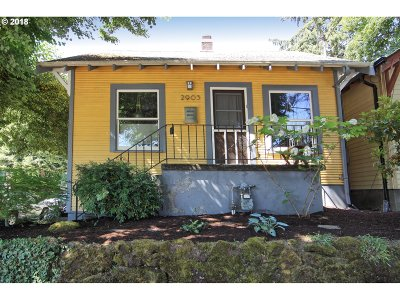 Single Family Home For Sale: 2903 NE Couch St