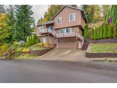 Estacada Single Family Home For Sale: 518 SE Espinosa St