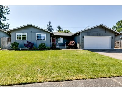 Springfield Single Family Home For Sale: 346 69th Pl