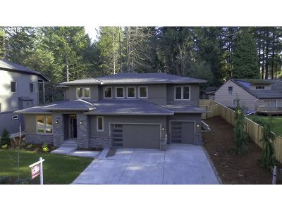 Portland Single Family Home For Sale: 9703 SW West Haven Dr