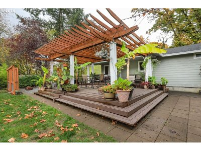 Scappoose Single Family Home For Sale: 53333 W Lane Rd