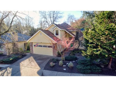Lake Oswego Single Family Home For Sale: 14293 Amberwood Cir