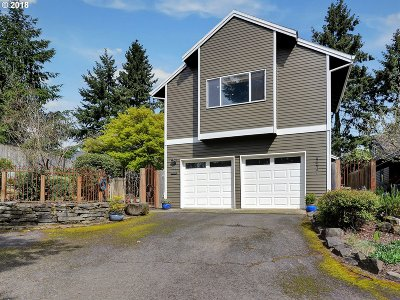 Portland Single Family Home For Sale: 5537 NW Burning Tree Ct