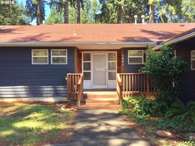 Milwaukie Single Family Home For Sale: 7601 SE Roots Rd