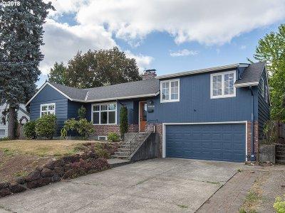 Portland Single Family Home For Sale: 12930 SW Park Way