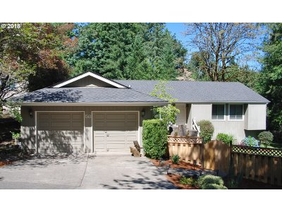 Lake Oswego Single Family Home For Sale: 58 Touchstone