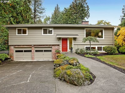 Portland Single Family Home For Sale: 5442 SW Thomas St