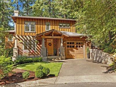 Portland Single Family Home For Sale: 3352 SW Fairmount Ln