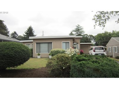 Beaverton Single Family Home For Sale: 2960 SW 120th Ave