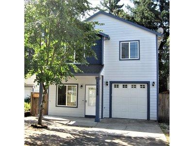 Single Family Home For Sale: 11526 SE Morrison St