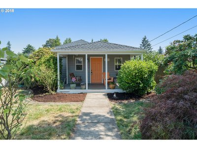 Portland Single Family Home For Sale: 7914 SE 64th Ave