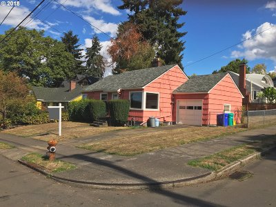 Multnomah County Single Family Home For Sale: 136 SE 62nd Ave